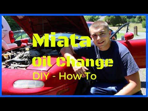 How to change your Mazda Miata NA Oil 90-97 - Oil Leak, Valvoline Max Life, Fram