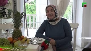 Несмотря на отсутствие гостей в Ид аль-Фитр, хозяйки в ЧР накрывают праздничный стол