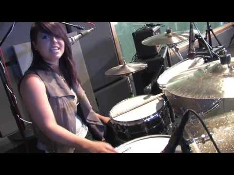 Kicking Daisies' Master Class - Learn To Play The Drums With Caitlin