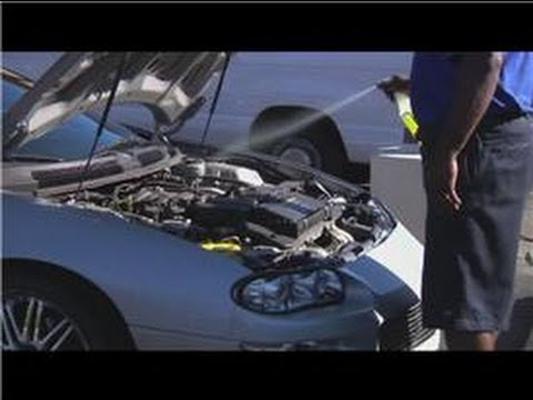 Cleaning Your Car : How to Clean a Car Engine