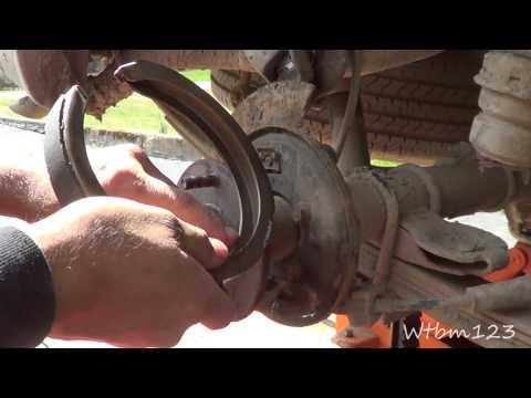 Chevy Blazer - Parking Brake Shoe Replace,