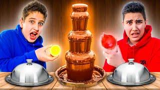SCHOKOBRUNNEN CHALLENGE 🍫 (alles in Schokolade tauchen) EKLIG 🤢 | CRASHBROS2
