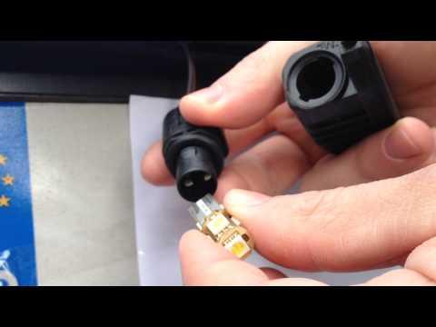 How to Change License Plate Bulb-Lights VW Golf/Polo/Passat/Scirocco/Tiguan/Tuareg [HD]