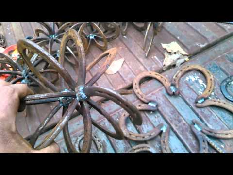 Things made out of horseshoes for craft shows