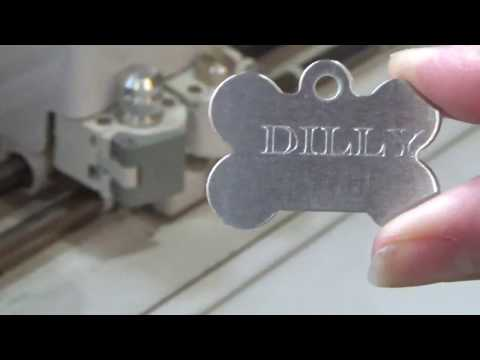Engraving with Cricut: Dog Tags for my Grand Dogs