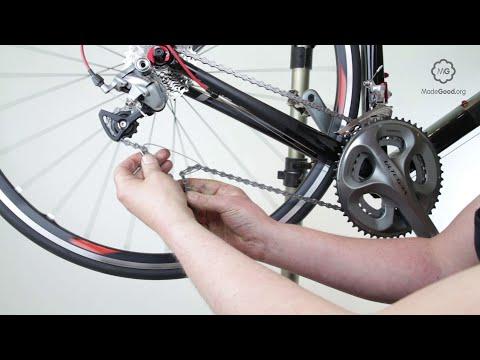 Thread A Chain On To A Bike's Rear Derailleur