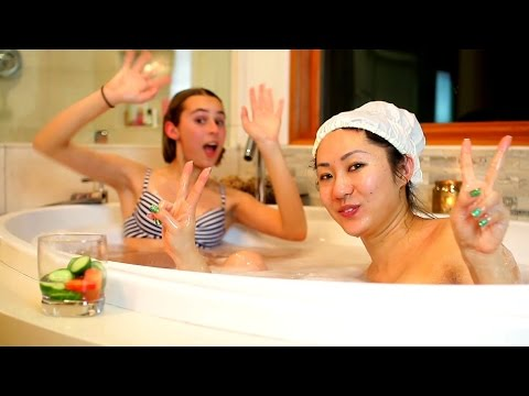 HOW TO THROW A SPA NIGHT SLUMBER PARTY