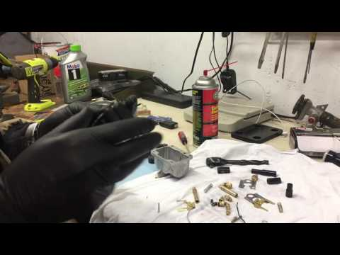 1983 Yamaha Vmax 540 G Snowmobile Cleaning the carbs and reassembly Part 1