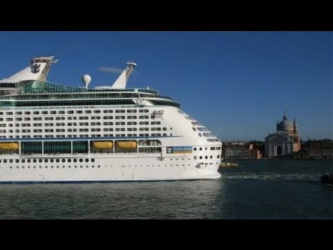 Why Cruise Ships Are Ruining the City of Venice