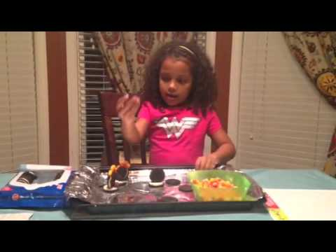 How to Make a Turkey with Oreo's and Candy by Jaelyn