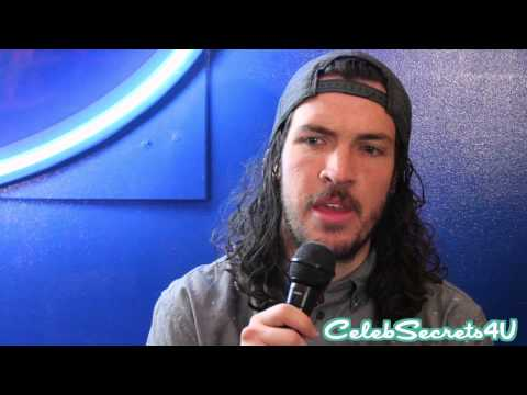 Shonduras Gives Us Tips on How to Make the Perfect Snapchat Story