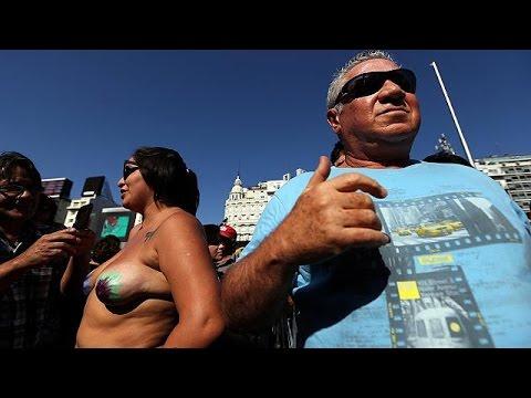 Xxx Mp4 أرجنتينيات يطالبن بحق التشمس دون صدريات 3gp Sex