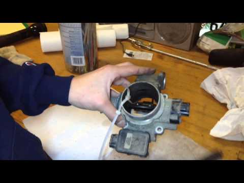 How to clean a Jeep Cherokee throttle body and IAC