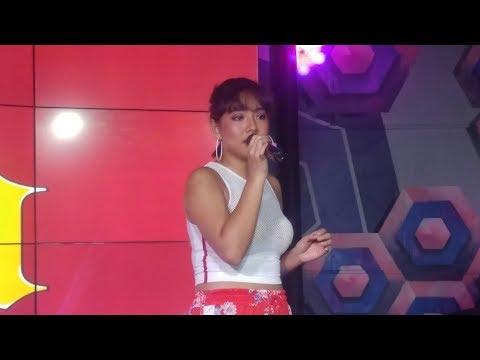 Rita Daniela sings #HanggangNgayon live at #AlexanderXMarucci launch