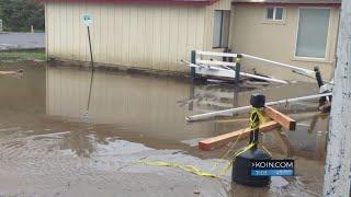 Large waves damage businesses along Oregon Coast