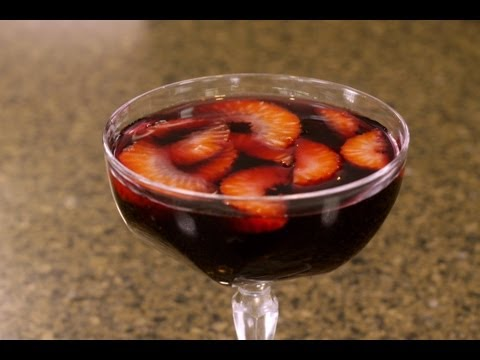 How To Make a Cocktail : Strawberry Spring Cocktail