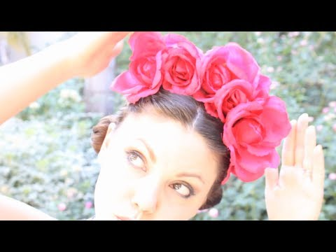 DIY Floral Crown inspired by Frida, ThreadBanger How-to