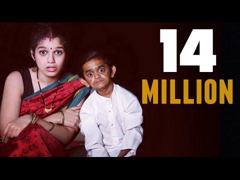 Xxx Mp4 Chotu Aur Uski Filmi Biwi खांदेशी ओम शांति ओम Khandesh Hindi Comedy 3gp Sex