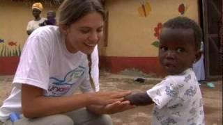 Giovani volontari in Ghana con UNICEF e MTV