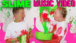 Download HUGE MESS - No Parents - Pop Pop World - Family Fun Pack Music Video