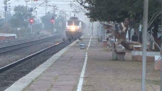 150 KMPH STORM : FASTEST TRAIN OF INDIA BHOPAL SHATABDI Tears Sholaka : KING OF INDIAN RAILWAYS
