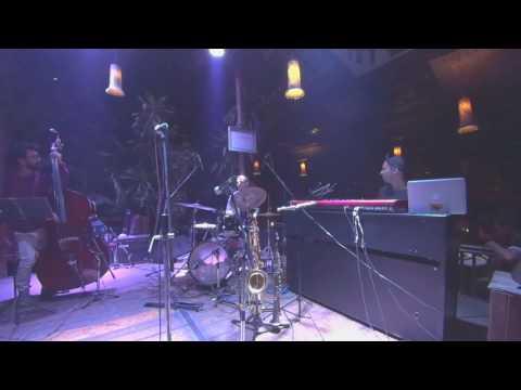 FTB (Robert Glasper) Shisha jazz cafe, Pune, India (SHORT)