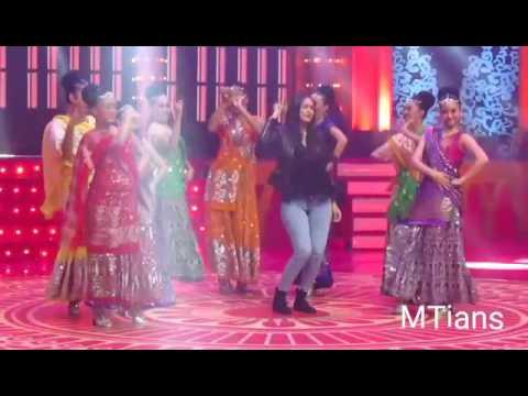 Xxx Mp4 Mrunal Thakur With Ankit Bathla Dance At Bolly Starvaganza Antv Keren 3gp Sex