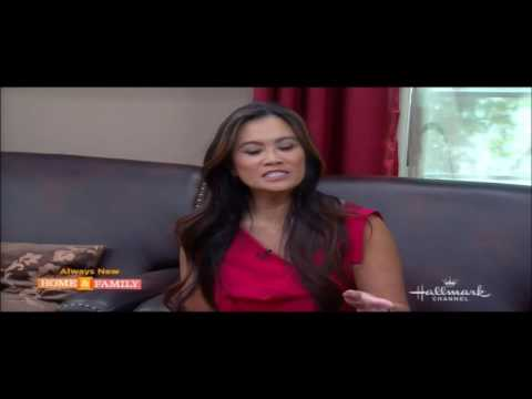 Dr. Sandra Lee Talks about Treating Acne on Home and Family   (05/31/13)
