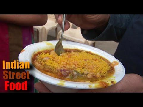 Indian street food - Ragda patties, Pav ragdo - street food of india mumbai
