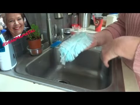 How to clean Swiffer dusters ~ DearMamaSal