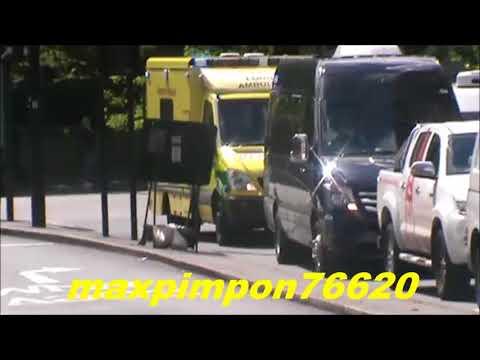 Emergency Ambulance / LONDON AMBULANCE SERVICE