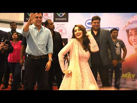 Madhuri Dixit's AMAZING Dance Will Make Your Day | Bucket List Movie Promotions