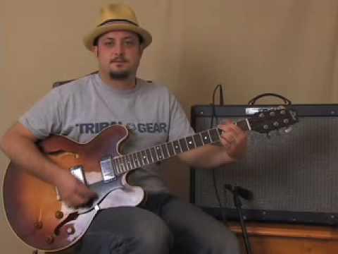 Online Acoustic Guitar Lessons: Strum