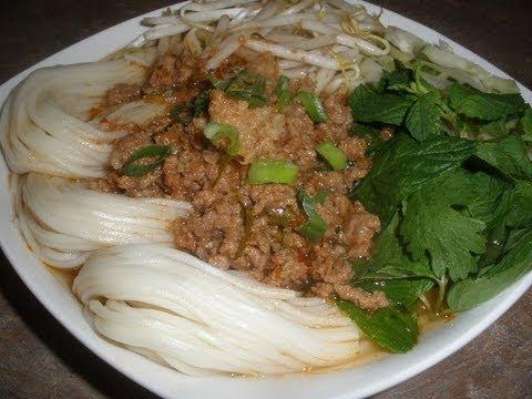 How to make Ground Pork and Shrimp Rice Noodle Soup