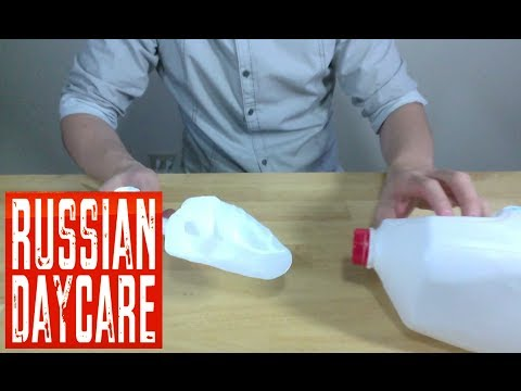 HOW TO MAKE A SCOOP USING PLASTIC CONTAINER