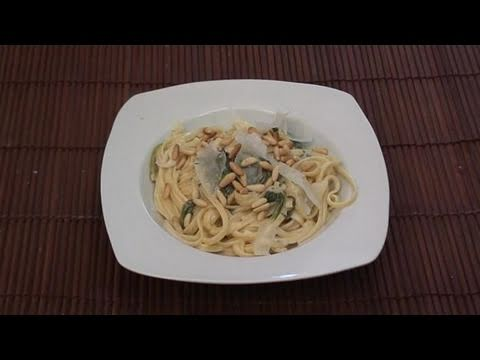 How To Cook Blue Cheese Fettuccine With Spinach At Home