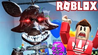 IGNITED FOXY WANTS TO EAT ME ALIVE! (Roblox Adventures)