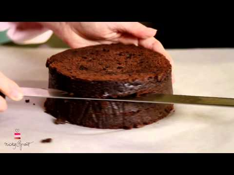 How to slice and trim a cake