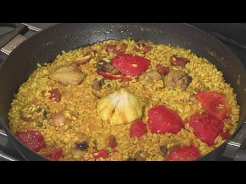 How To Make Chicken Chorizo Paella