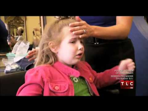Child Abuse? Mother Forces Her 5 Year Old Daughter TO Wax Her Eyebrow