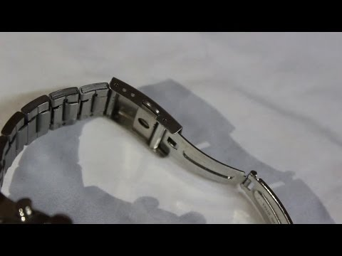How to Adjust your Seiko Watch Band the Easy Way Recorded from a DSLR