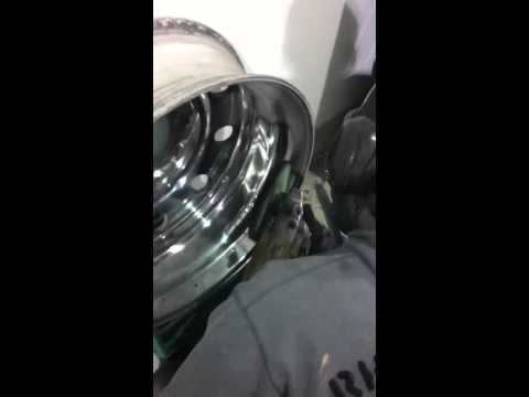 How to polish an aluminum rim off the truck