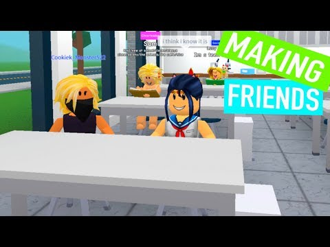 Roblox Making Friends in High School is Hard - trying to be a popular girl !