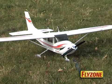 Spotlight: Flyzone™ Cessna® 182 Skylane® Select Scale™ Airplanes