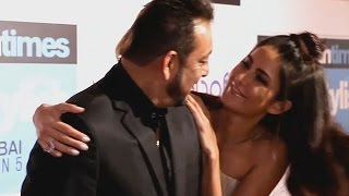 Katrina Kaif HUGS Sanjay Dutt At HT Most Stylish Awards 2016