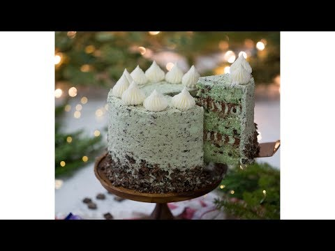 How to Make a Mint Chip Cake