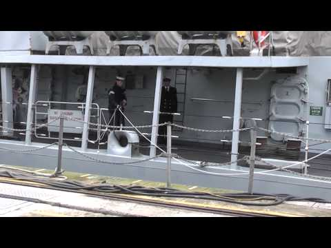HMS Somerset Homecoming 24th february 2012 video 19 working the ropes