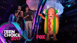 The Dancing Hotdog Takes The Stage | TEEN CHOICE