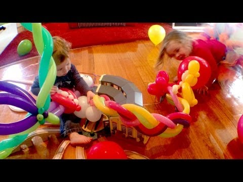 Birthday Balloons - fun kids play - Toy Train Track 29