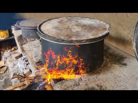 #HYDERABADI MUSLIM MAKING CHICKEN DUM BIRYANI | YAMMY AND TASTY HYDERABADI BIRYANI street food